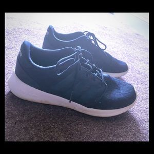 Navy blue Adidas cloudfoam sneakers. Size 8.